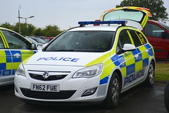 FN62 FUE (S11 AUN) Tags: leicestershire leics police vauxhall astra estate dog section van policedogs 999 emergency vehicle fn62fue