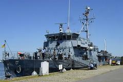 Marineboot am Kai (Carl-Ernst Stahnke) Tags: stralsund marine bundeswehr hansestadt austellung strelasund kai