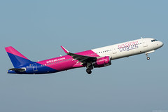 HA-LTE (Andras Regos) Tags: aviation aircraft plane fly airport bud lhbp spotter spotting takeoff wizz wizzair airbus a321