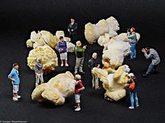 """Tiny People - In der """"Pop"""" Ausstellung (J.Weyerhäuser) Tags: 187 ausstellung fun h0 popcorn preiser tinypeople"""