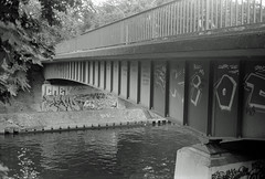 Berlin  10.6.2019 Techowbrücke (rieblinga) Tags: berlin tempelhof brücke techowbrücke analog revue 400se agfa apx 100 adox fx 39 ii sw