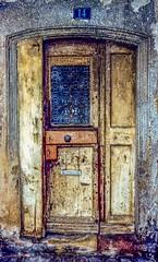 Door 14 (D. Davila) Tags: door doorway spain arch architecture home building entry entryway