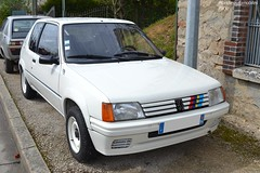 Peugeot 205 Rallye (Monde-Auto Passion Photos) Tags: voiture vehicule auto automobile peugeot 205 rallye blanc white rassemblement rare rareté france courtenay