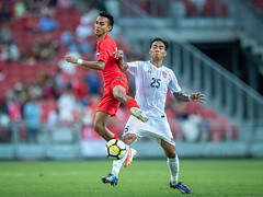 Singapore 1 : 2 Myanmar (BP Chua) Tags: soccer football sport action singapore myanmar people sportsman footballer canon 1dx 400mm sgsportshub onestrong sgfootball