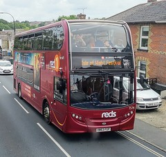 Salisbury Reds 1574 is on Binstead Hill while on an Isle of Wight Festival Shuttle to the Festival Bus Station. Taken from the top deck of Southern Vectis 1622 which was on route 9 to Ryde. - HW63 FGP - 14th June 2019 (Aaron Rhys Knight) Tags: salisburyreds 1574 hw63fgp 2019 binsteadhill binstead ryde isleofwight goahead gosouthcoast alexanderdennis enviro400