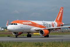 Airbus A320-214 / easyJet (Berlin Livery) / WAW-TXL (m.oldak) Tags: fujifilmxt20 chopinairport epwa easyjet a320 airbus
