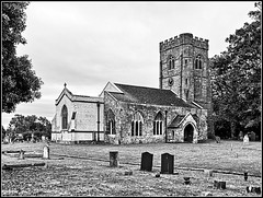 St.Nicholas, Willoughby (Jason 87030) Tags: church willoughby holy stnicholas religion christianity bw bbw black noir blanc white toines mono frame building local churchyard graves stones view scene england
