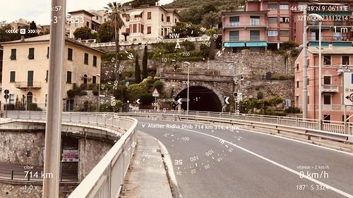 Étape 44 -  Genova -  Camogli  - Boussole pointant vers l'atelier de Ridha Dhib, vis-à-vis de la ville de Sousse