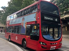 Last day for this route going to Waterloo before the very short re-routing. | Metroline London Volvo Gemini 3 Hybrid working the 4 to Waterloo. (alexpeak24) Tags: lk15cxt hybrid gemini3 wrightbus volvo archway waterloo 4 metroline london