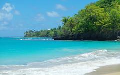 Descubriendo (ben.bourdon) Tags: playa caribe república dominicana vacaciones azul turquesa montañas samaná las galeras