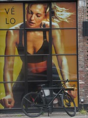 J'aime mon Vélo (Quetzalcoatl002) Tags: advertisement bikes bike velo girl woman sports biking workout sportive streetshots street exercise fitness training amsterdam bicycle