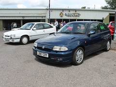 L987 CRY - 1994 Vauxhall Astra GSi (quicksilver coaches) Tags: vauxhall astra gsi l987cry vauxhallheritage luton