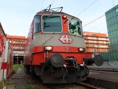 Re 4/4 11108 (hans.hirsch) Tags: bobo re 44 11108 420 108 sbb cff ffs basel bahnhof swiss express cremeschnitte