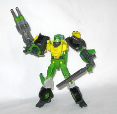 springer transformers idw thrilling 30 voyager class triple changer last stand of the wreckers hasbro 2013 r (tjparkside) Tags: springer transformer transformers generations idw thrilling 30 autobot autobots wrecker wreckers movie triple changer g1 generation 1 one sword rotor gun rifle blaster cannon projectile projectiles firing launching missile missiles shooting helicoper vehicle armored car truck hasbro 2014 2012 voyager class green yellow last stand 2013