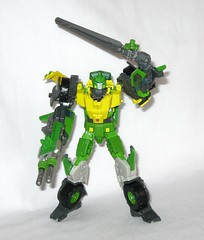 springer transformers idw thrilling 30 voyager class triple changer last stand of the wreckers hasbro 2013 o (tjparkside) Tags: springer transformer transformers generations idw thrilling 30 autobot autobots wrecker wreckers movie triple changer g1 generation 1 one sword rotor gun rifle blaster cannon projectile projectiles firing launching missile missiles shooting helicoper vehicle armored car truck hasbro 2014 2012 voyager class green yellow last stand 2013