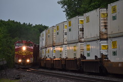 Super Fleet (bnsfwarbonnet) Tags: train santa pink 9 dash fe bonnet meet bnsf 683 c449w warbonet lchi104