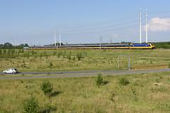 Benelux train at Benthuizen, June 14, 2019 (cklx) Tags: hsl hogesnelheidslijn benthuizen beneluxtrein beneluxtrain traxx bombardier br186
