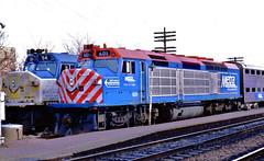 Metra 601 & 54 (EMD F40C's)  @ Elgin IL (hardhatMAK) Tags: metra601 metra54 emdf40c elginil 12201986 scannedslide kodachrome64 cityofelgin