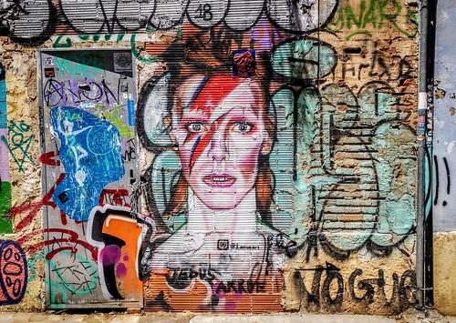 Las personas felices no tienen memoria - Joan Fuster - Arte Urbano en Valencia