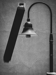 Untitled (ber52) Tags: abqbiopark aquarium lamp shadows