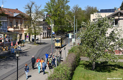 De koffie is klaar (Marco Moerland) Tags: woltersdorf rahnsdorf flakensee kalksee schleuse gotha triebwagen café konditorei knappe halte eindhalte eindpunt kopeindpunt endhaltestelle terminus wanderer wandelaars people menschen wandelen wandern bloesem voorjaar lente tram trams tramway bonde eléctrico raitioliikenne sporvei sporvogn spårväg tramm tramvaiul trolley tramvay tramwaj villamos tramwaje tranvia trikk трамвай strasenbahn strasenbahnen strassenbahn strassenbahnen tramways tramvie tranvias trolleys eléctricos duitsland ddr germany gdr deutschland allemange