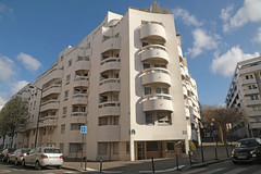 Rue des Couronnes - Paris (France) (Meteorry) Tags: europe france idf îledefrance paris belleville ruedescouronnes couronnes ruebisson ruevilin corner coin city urban matin morning façade facade fiat500 architecture march 2019 meteorry