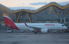 Iberia EC-MXY Airbus A320-251N at Madrid MAD Spain (Cupertino 707) Tags: iberia ecmxy airbus a320251n madrid mad spain