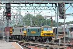90041+90047 (mike_j's photos) Tags: crewe class90 freightliner 90041 90047