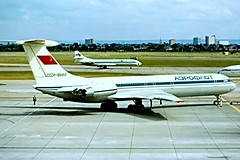 CCCP-86464   Ilyushin Il-62M [4624151] (Aeroflot) Heathrow~G 01/05/1978 (raybarber2) Tags: flickr slide filed airliner cancelled egll brokenup airportdata raybarber 4624151 cccp86464 abpic cn4624151 planebase