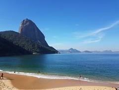 Praia Vermelha e Pão de Açúcar 2 (epougy) Tags: praiavermelha pãodeaçúcar riodejaneiro mar sea céu sky azul blue