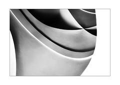 35 [titre extraterrestrique] (Armin Fuchs) Tags: arminfuchs lavillelaplusdangereuse würzburg residenz ceiling light shadow diagonal curve 35mm challenge abstract cave