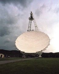 Green Bank Radio-Telescope (rochpaul5) Tags: physics astronomy radio frequency seti earth alien interference pulsar black hole