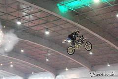 SIM2014 0099 (Pancho S) Tags: salóninternacionaldelamotocicleta2014 sim2014 expo expos exposantafe acrobacias motos motocicletas motorcycle motocycle