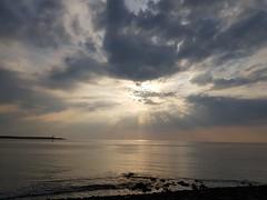 Brouwersdam (Omroep Zeeland) Tags: brouwersdam view zee sea strand beach scharendijke schouwen zon sun zonsondergang sunset stenen stones lente spring holland dutch golf wave water sunshine netherlands nederland