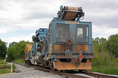 The train has stopped with GREX 2800 fouling the main (AndyWS formerly_WisconsinSkies) Tags: train railroad railway railfan canadianpacificrailway canadianpacific cprail cp rollingstock maintenanceofway mow