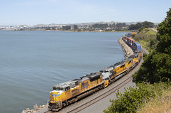INPOA - Pinole (imartin92) Tags: pinole california unionpacific railroad railway freight train ge generalelectric ac4400cw emd sd70ace locomotive riogrande drgw heritage unit up1989