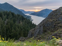 Mitchell Point Sunset (Michael Burke Images) Tags: columbiagorge trail spring or sunset desertparsley mitchellpoint