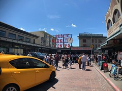 Seattle (Thunderstormnightmare) Tags: spring june saturday seattle sky sunny busy outdoor outside nice neat clouds yellow blue downtown people clock red publicmarketcenter