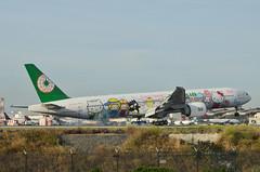 EVA Airlines  Hello Kitty Sanrio Family Livery 777-35E(ER) (B-16703) LAX Landing 1 (hsckcwong) Tags: evaairlines eva hellokittysanriofamilylivery 77735eer 777300er 777300 b16703 lax klax