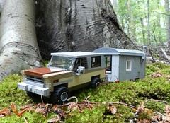 Camping in the Woods (captain_joe) Tags: toy spielzeug 365toyproject lego minifigure minifig car auto jeep 6wide strangerthings chevrolet k5 wohnwagen 75810