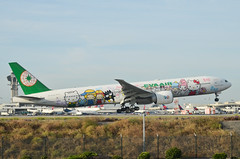 EVA Airlines  Hello Kitty Sanrio Family Livery 777-35E(ER) (B-16703) LAX Approach 4 (hsckcwong) Tags: evaairlines eva hellokittysanriofamilylivery 77735eer 777300er 777300 b16703 lax klax