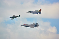 three generations, Air show dutch air force Volkel (Jan Netherlands) Tags: sony sonyrx sonyrx10 sonyrx10m4 sonyrx10iv f16 spitfire jsf f35