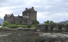 Postcards from Scotland - Eilean Dunan Castle (Pushapoze (MASA)) Tags: uk scotland alba eileandunan castle chateau lowtide mareebasse