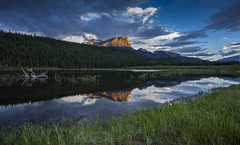 Jasper late light scene (Robert Grove 2) Tags: sunlight mountain grass landscape lakeside jasper canada alberta