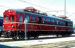 485 007  M. - Freimann  26.05.79 (w. + h. brutzer) Tags: mfreimann eisenbahn eisenbahnen train trains deutschland germany railway triebwagen triebzug triebzüge 485 db webru analog nikon et85