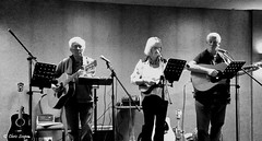 SOS - Live Performance (Chris Scopes) Tags: smileonsaturday musicinbw
