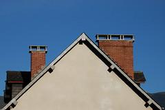 Hautes-Pyrénées (visol) Tags: chimneys cheminées chimeneas camino chamine chimney barbacana xemeneies xememeie xemeneie xemeneia tximinia tejados teulades tejas tejado teulas kaminköpfe