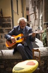 De guitarra española (Mari Ivars) Tags: photostreet street calle fotografia fotocalle canon