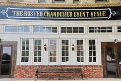 The Rusted Chandelier Event Venue in Hillsboro TX 29.4.2019 0451 (orangevolvobusdriver4u) Tags: 2019 archiv2019 usa america amerika texas hillsboro hillsborotx hillcounty therustedchandeliereventvenue shop geschäft fassade facades fenster window