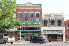 Shop in Hillsboro TX 29.4.2019 0449 (orangevolvobusdriver4u) Tags: 2019 archiv2019 usa america amerika texas hillsboro hillsborotx hillcounty shop geschäft road strasse fassade facades fenster window